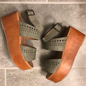 *SALE* Platform Sandals